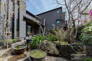沼尾石材店:石のある庭